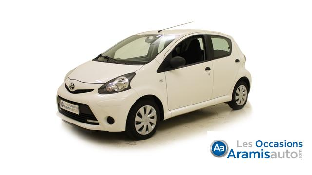 voiture toyota aygo 1 0 vvti connect occasion essence 2013 2980 km 8990 arcueil val. Black Bedroom Furniture Sets. Home Design Ideas