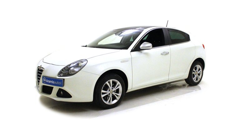 voiture alfa romeo giulietta 2 0 jtdm 140 ch s s distinctive occasion diesel 2013 68380 km. Black Bedroom Furniture Sets. Home Design Ideas
