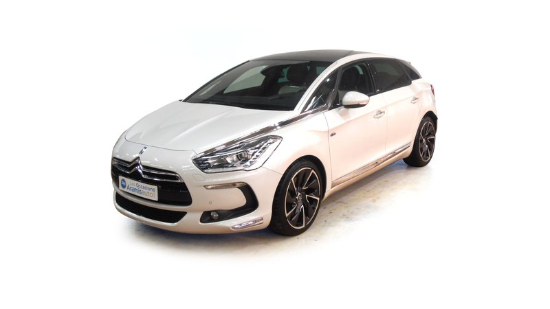 voiture citro n ds5 hybrid4 sport chic bmp6 occasion hybride 2011 33555 km 23790. Black Bedroom Furniture Sets. Home Design Ideas