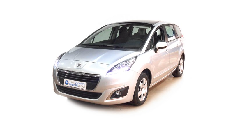voiture peugeot 5008 1 6 hdi 115 active 7pl toit panoramique occasion diesel 2015 18031 km. Black Bedroom Furniture Sets. Home Design Ideas