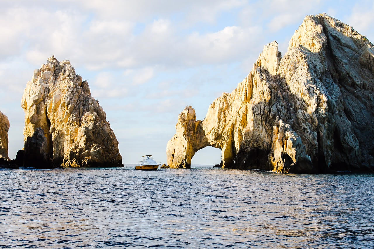 Arch rocks at cabo anchorage