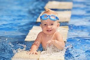 Social babyswimminggoggles