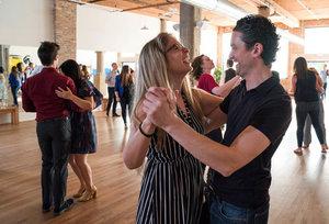 Social group dance classes chicago
