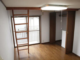 正司ハウス A202号室の居室
