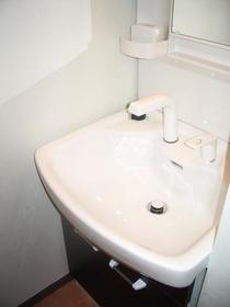 コートガーディニア 103号室の洗面所