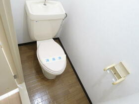 ローズハイツ 102号室のトイレ