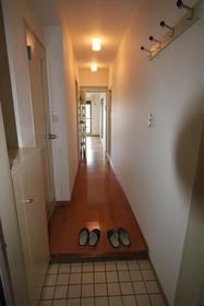 ベルメゾン 404号室の玄関