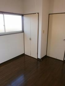 マロンハイツ一ノ割 201号室の居室