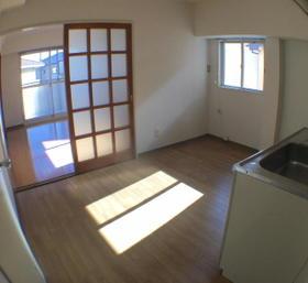 ロワールウエスト.1 201号室のキッチン