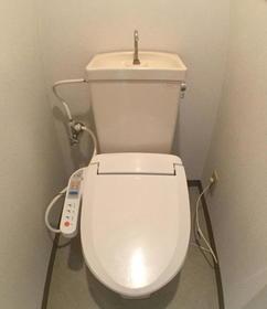 ロワールウエスト.1 201号室のトイレ