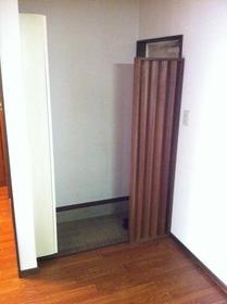 ボナール青葉 202号室の玄関