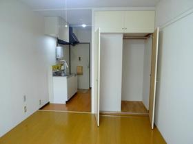 コーポパトリニア 201号室の居室