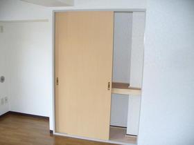 榎本マンション 201号室の収納