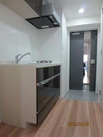プレミアムコート都立大学 804号室のキッチン