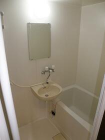 ローレルハイツ 202号室の風呂