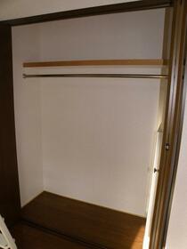 ローレルハイツ 202号室の収納