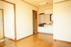 田中ビル 301号室のリビング