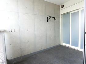 パークハビオ駒沢大学 801号室のエントランス