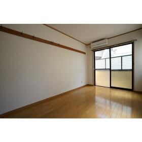 くるみハウス 0101号室のリビング