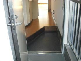テラス瀬谷 201号室の玄関