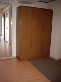 ロイヤルガーデン 401号室の収納