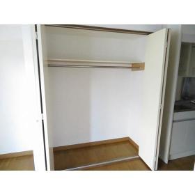 フローラルヒモンヤ 0201号室の収納