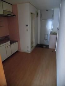 ミルキィウェイ 305号室のリビング