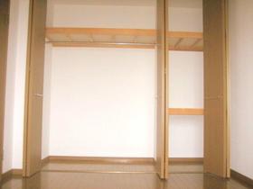 クレセール菜の花 402号室の収納