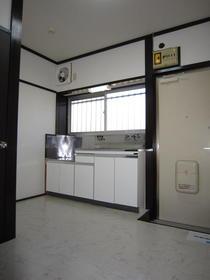 第二ほたか荘 222号室のキッチン