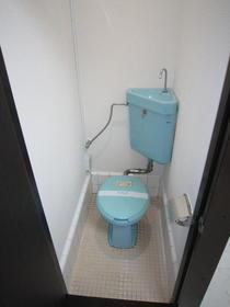 第二ほたか荘 222号室のトイレ