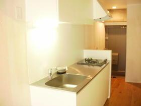 不動前アパートメント 2C号室のキッチン