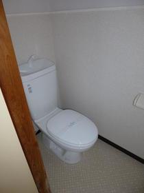 白樺荘 202号室のトイレ
