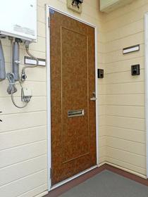 ラフィーネ舞松原B棟 202号室の玄関