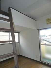 ラフィーネ舞松原B棟 202号室のベッドルーム