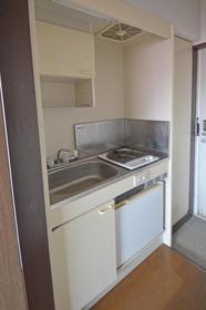ラフィーネ舞松原B棟 202号室のキッチン