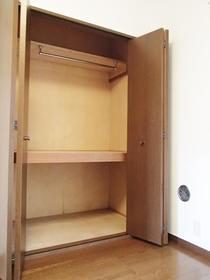 グランシャリオ 108号室の収納