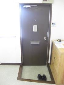 浅見ハイツ 201号室の玄関