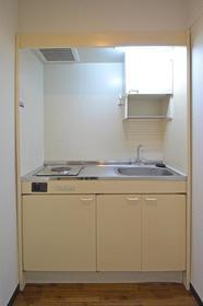 シャトレ21箱崎 305号室のキッチン