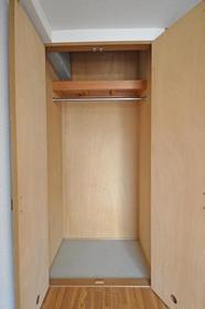 シャトレ21箱崎 305号室の収納