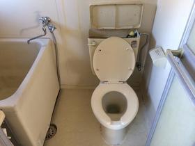 アオキハイツ 202号室のトイレ