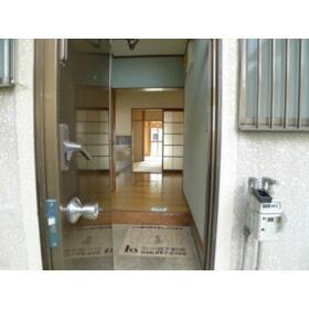 柳コーポ 103号室の玄関