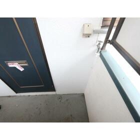 ハイツ多慶 203号室の玄関