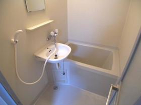 ヴィラガーデニアB 102号室の風呂