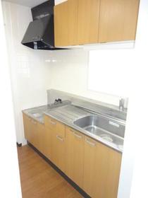 ヴィラコンプレール 208号室のキッチン