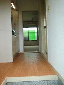 コーポイング 202 202号室の玄関