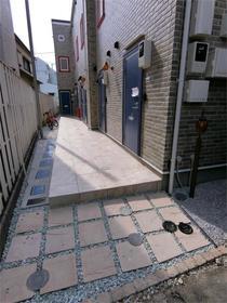 ハーミットクラブハウス目黒 04号室のエントランス