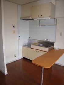 グラントゥール松崎 302号室のキッチン