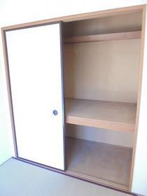 グレイストーエイI 402号室の収納