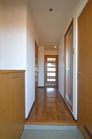 シャトレ21箱崎 403号室の玄関