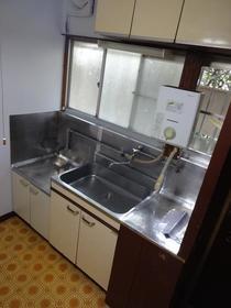 コーポヒカリ 102号室のキッチン